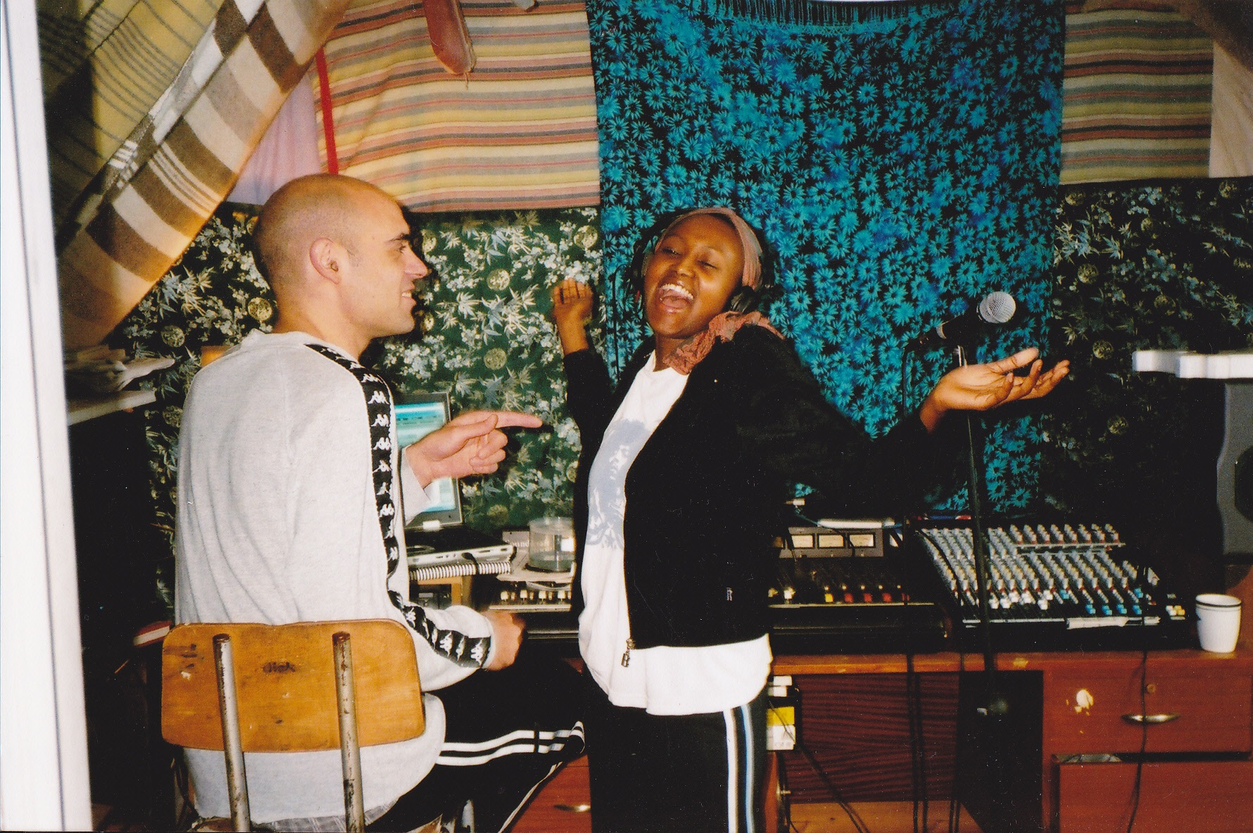 "Smee and vocalist Nuewella recording ""False Energy"""
